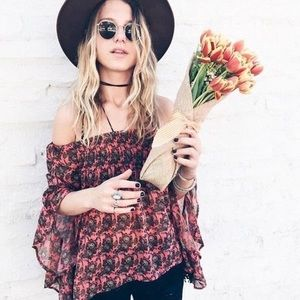 LF off the shoulder top wbell sleeves